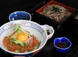 ネギトロユッケ丼とミニざる蕎麦・うどん